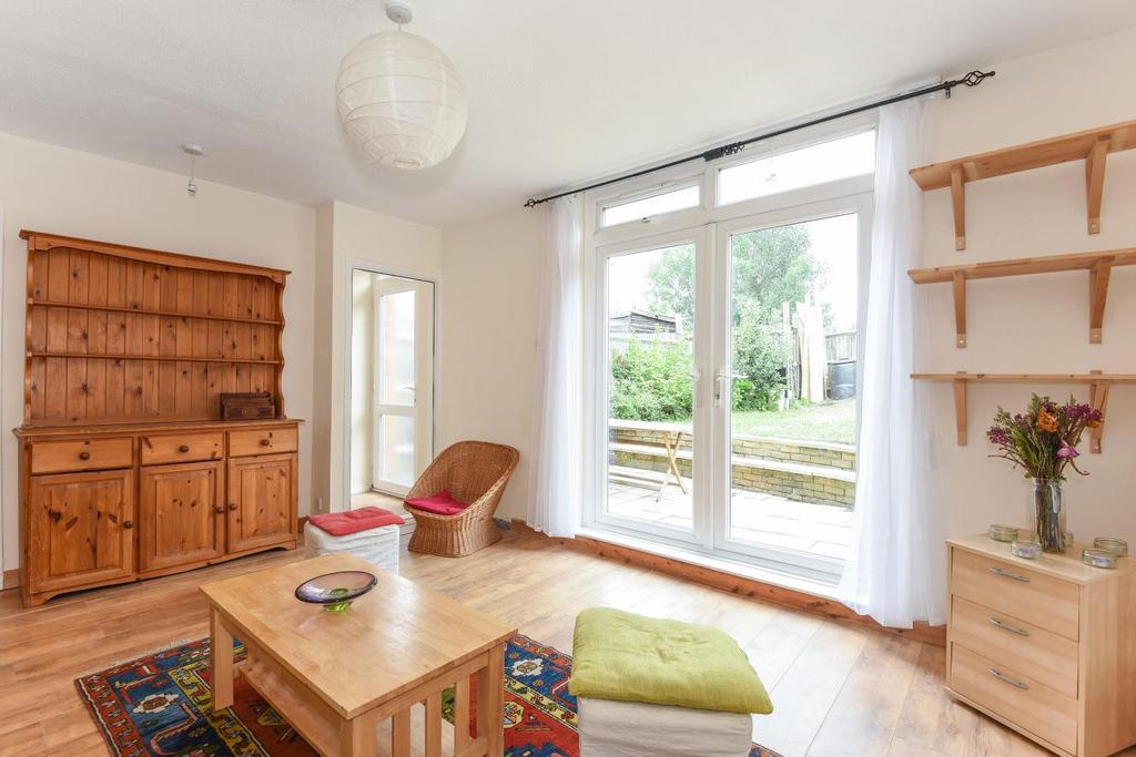 4 Bedrooms Semi Detached House for sale in Sandbourne Road, Brockley, SE4