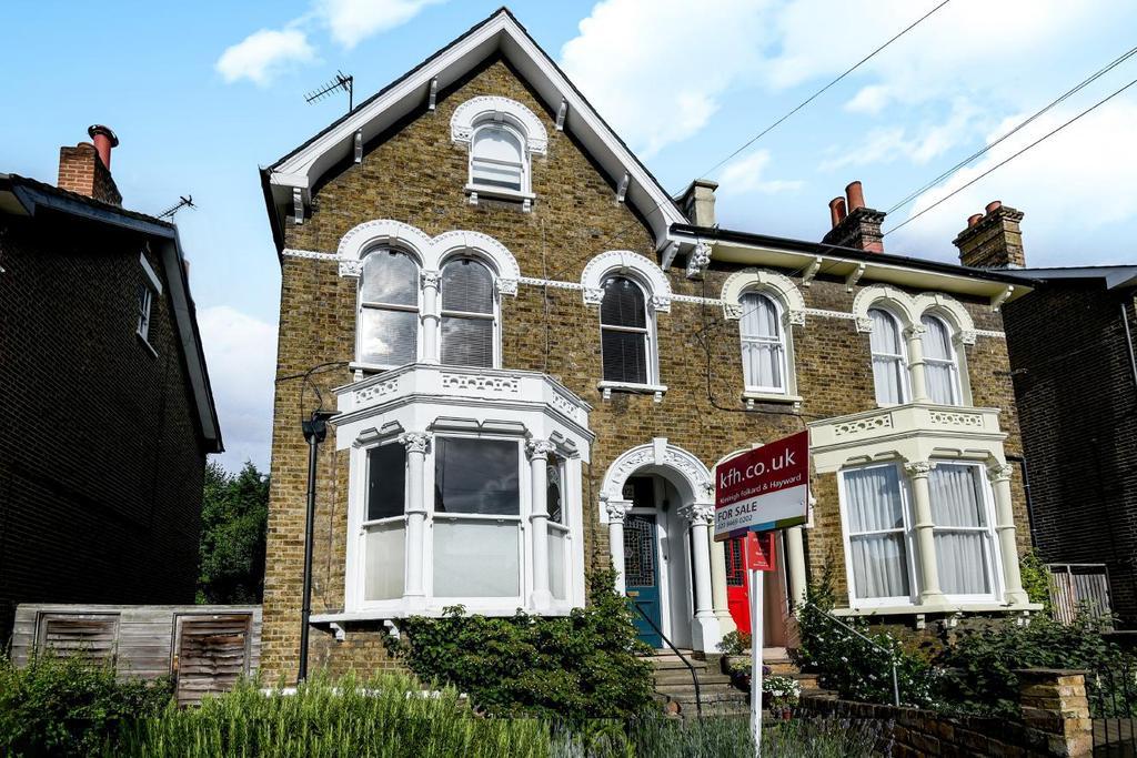 3 Bedrooms Flat for sale in Embleton Road, Lewisham