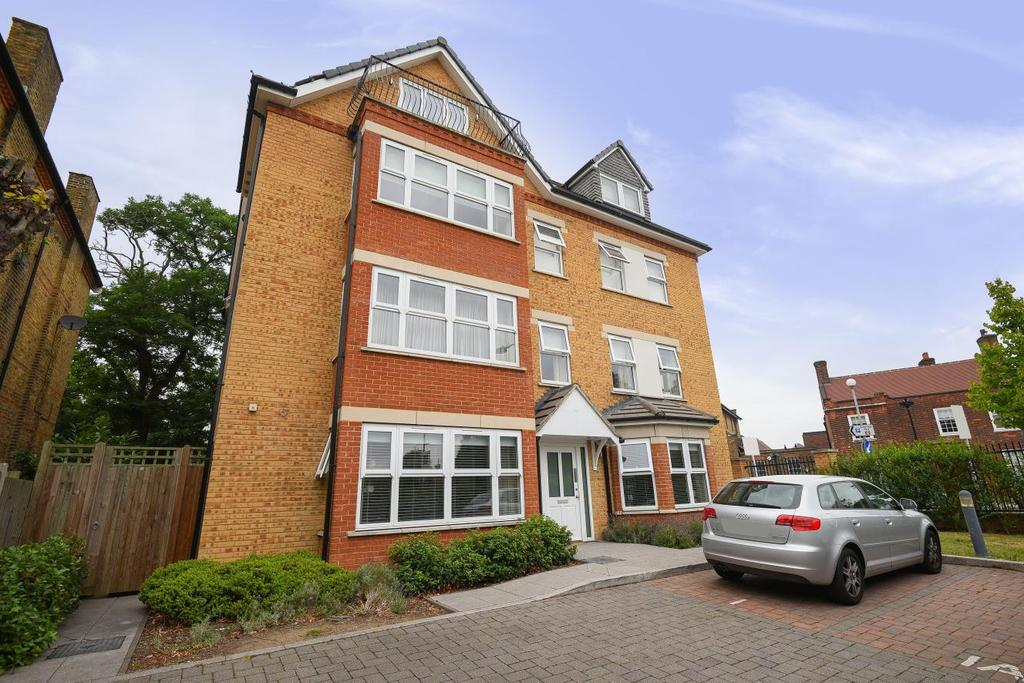 3 Bedrooms Flat for sale in Upper Park Road, Bromley, BR1