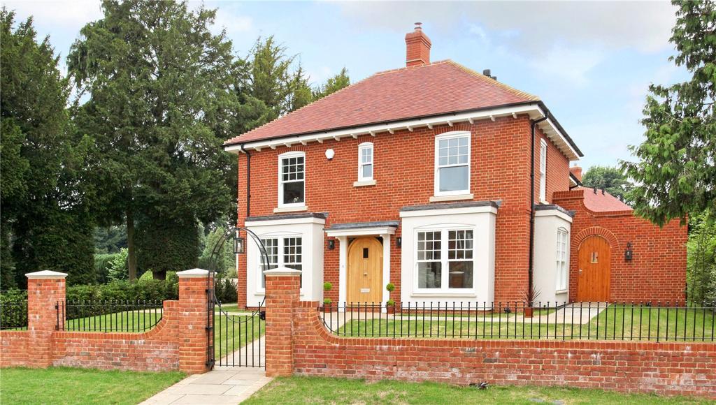 4 Bedrooms Detached House for sale in Rybridge Lane, Upper Froyle, Hampshire, GU34