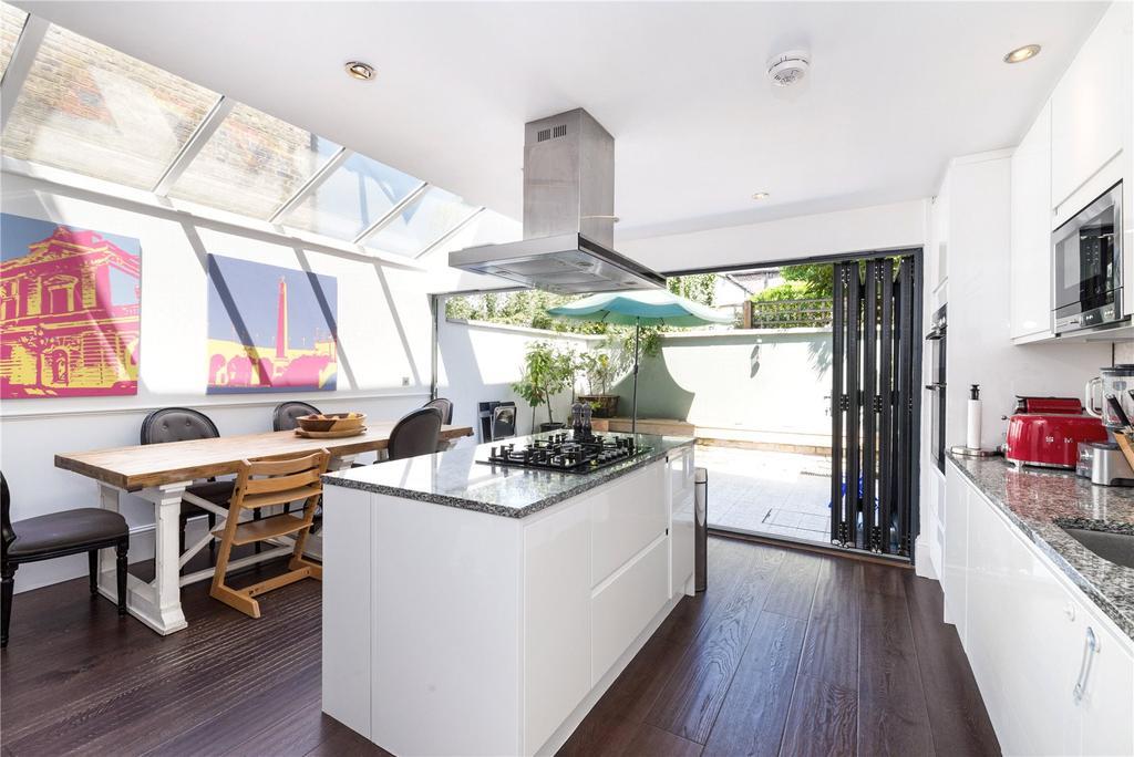 4 Bedrooms Terraced House for sale in Harbut Road, Battersea, London, SW11
