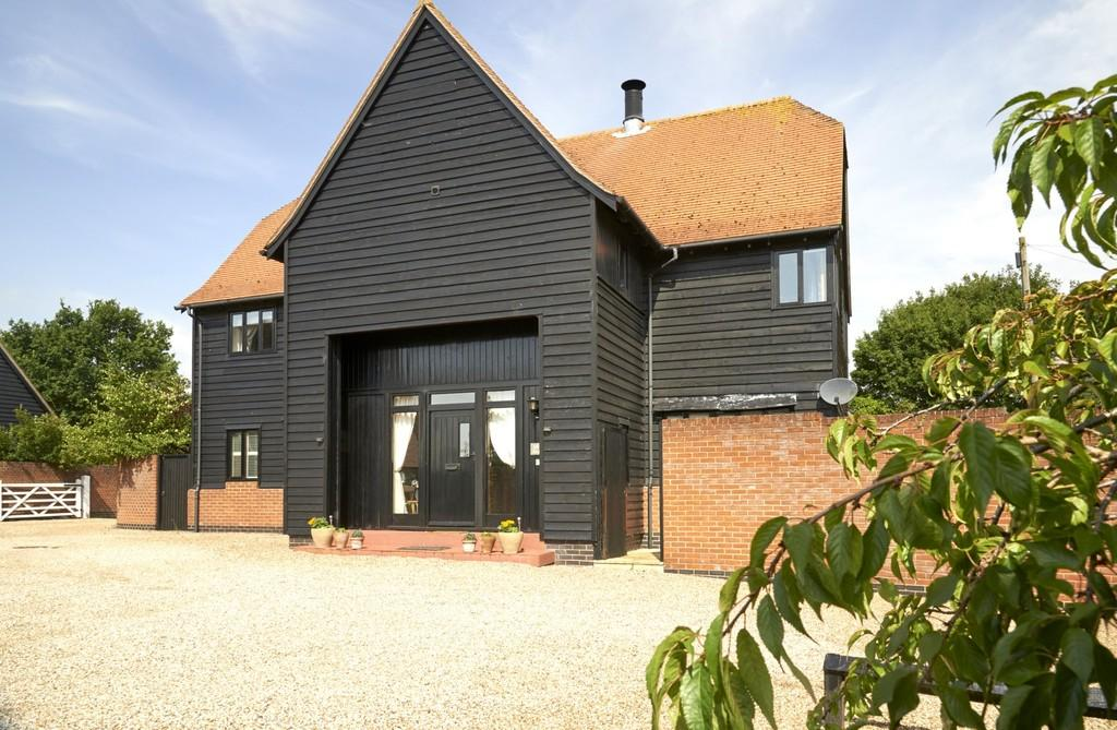 4 Bedrooms Detached House for sale in East Barn,Coppingdown Farm, Sudbury Road, Castle Hedingham, CO9 3AG