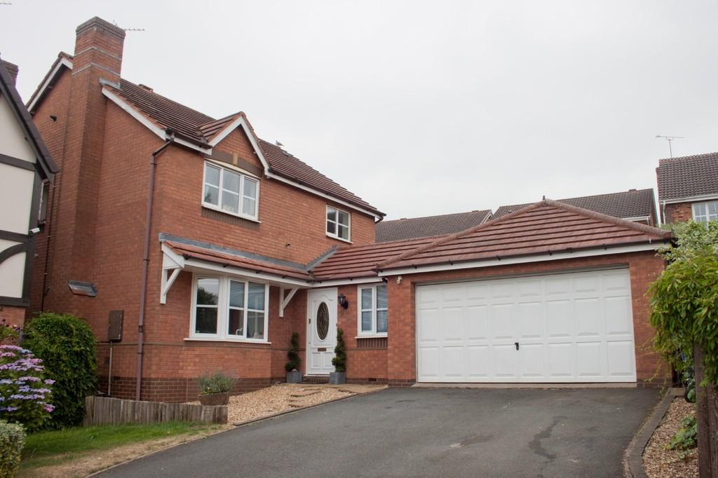 4 Bedrooms Detached House for sale in Albany Drive, Wimblebury