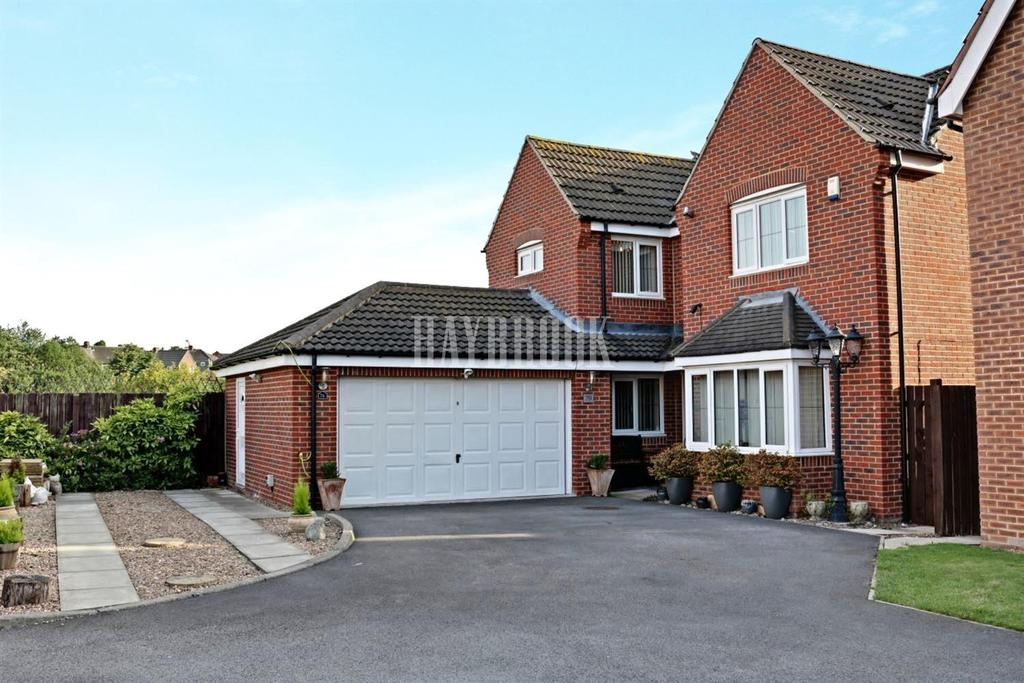 4 Bedrooms Detached House for sale in Kingfisher Drive, Wombwell