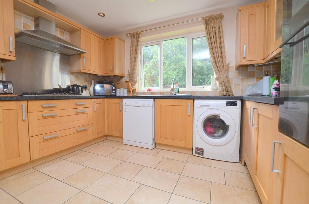 4 Bedrooms Detached House for sale in Sandpit Close, Rushmere St. Andrew, IP4 5UP