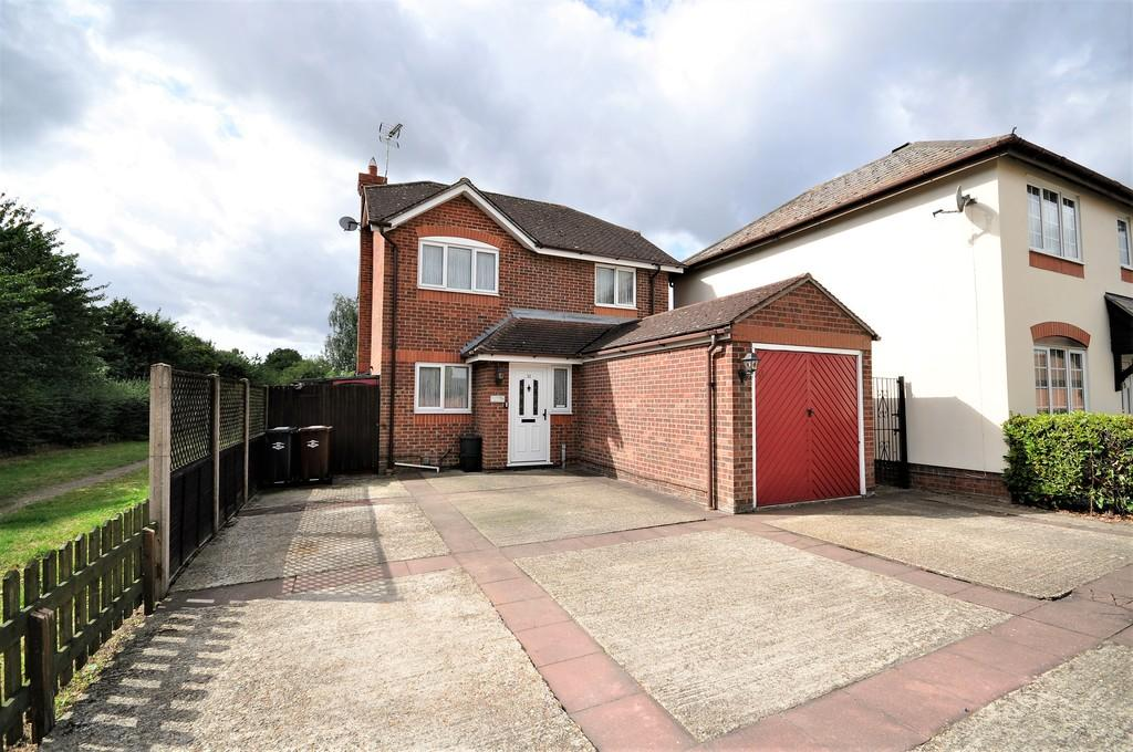 3 Bedrooms Detached House for sale in New Farm Road, Stanway, Colchester CO3 0PG
