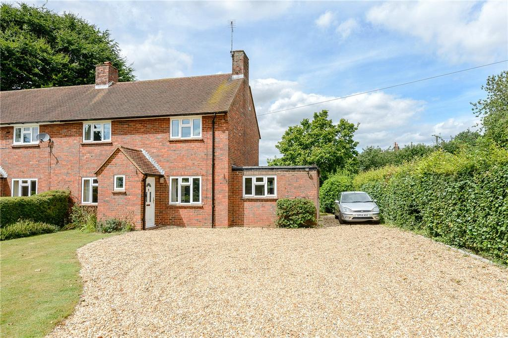 3 Bedrooms Semi Detached House for sale in Baring Close, East Stratton, Winchester, Hampshire, SO21