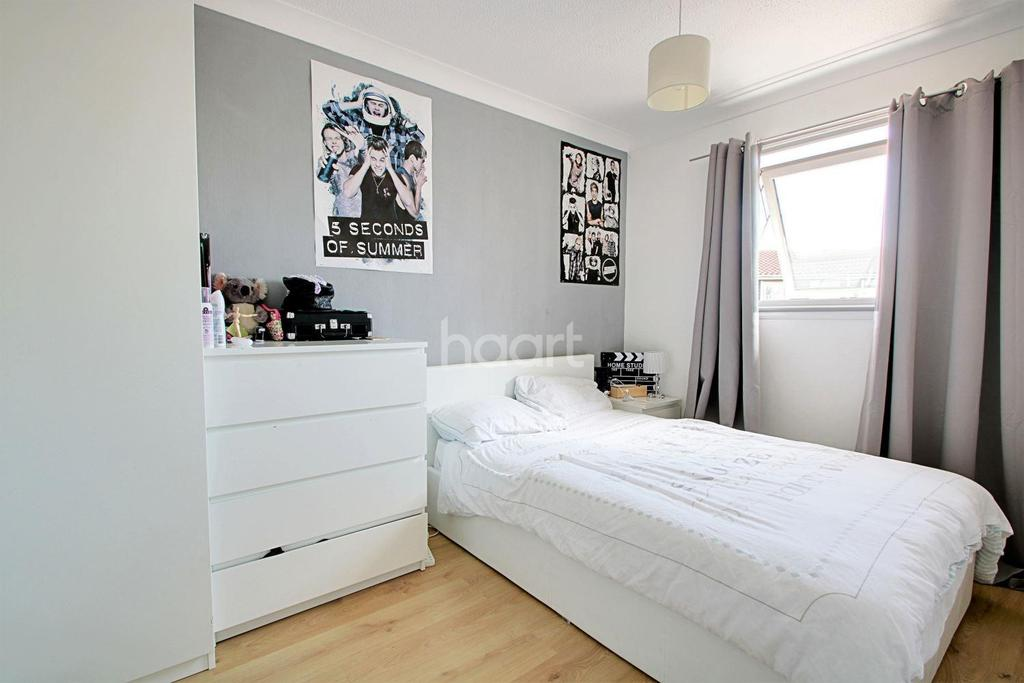 3 Bedrooms Terraced House for sale in Soane Street, Basildon