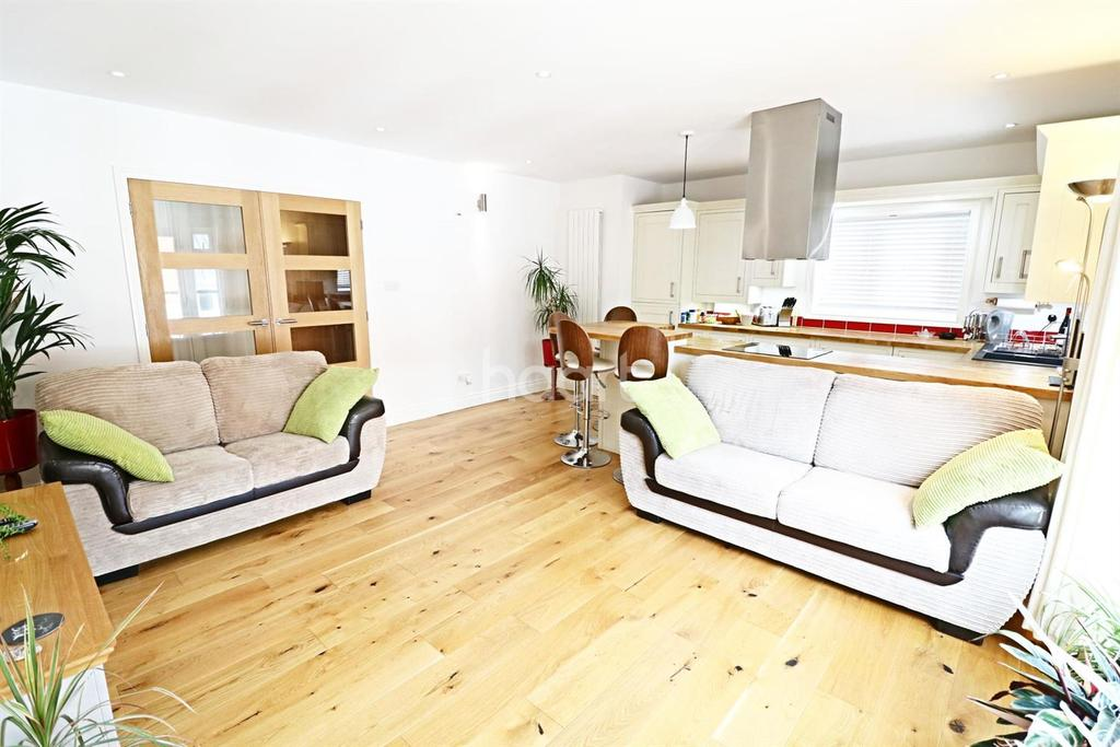 2 Bedrooms Flat for sale in New Street, Chelmsford