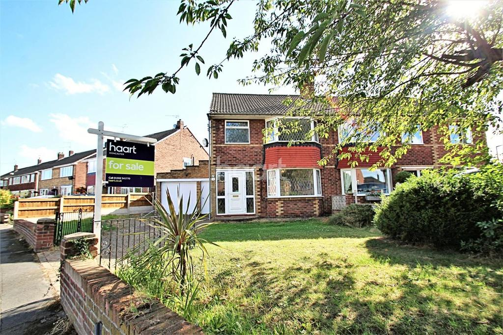 3 Bedrooms Semi Detached House for sale in Kirkstall Close, Scawsby.