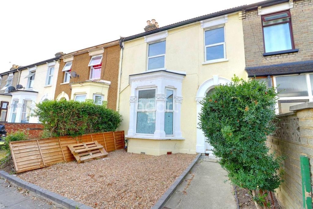 5 Bedrooms Terraced House for sale in First Avenue, Manor Park