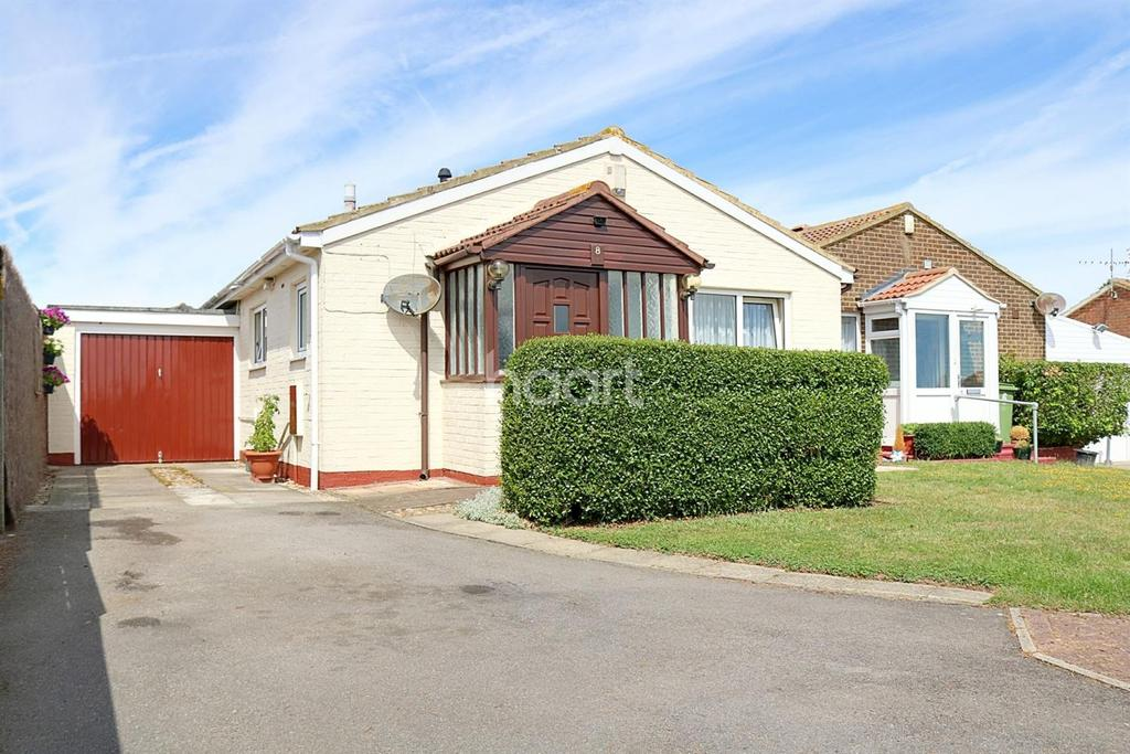 2 Bedrooms Bungalow for sale in Leysdown on Sea