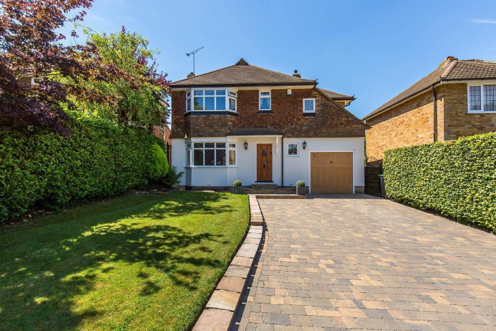 3 Bedrooms Detached House for sale in Elmfield Way, Sanderstead, Surrey, CR2 0EH