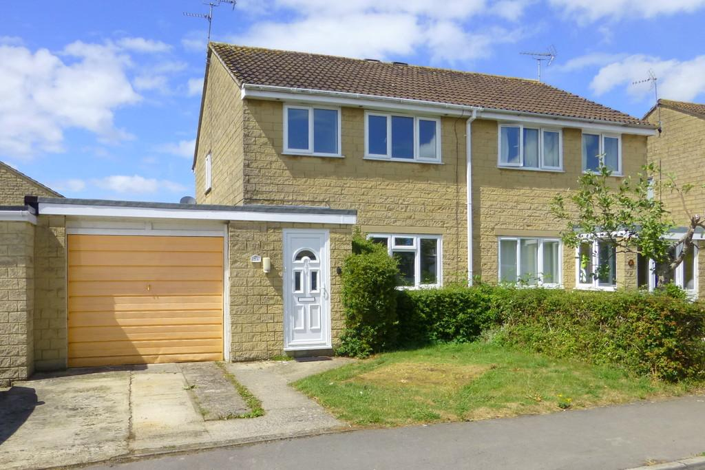 3 Bedrooms Semi Detached House for sale in Fitzmaurice Close, Bradford on Avon