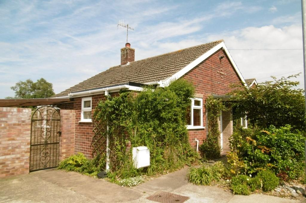 2 Bedrooms Detached Bungalow for sale in Sheringham