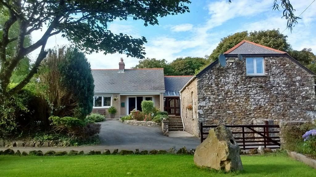 5 Bedrooms Detached House for sale in Brawdy, Haverfordwest