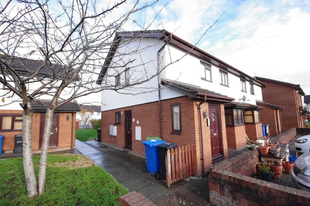 2 Bedrooms Apartment Flat for sale in Gwelfryn, Prestatyn