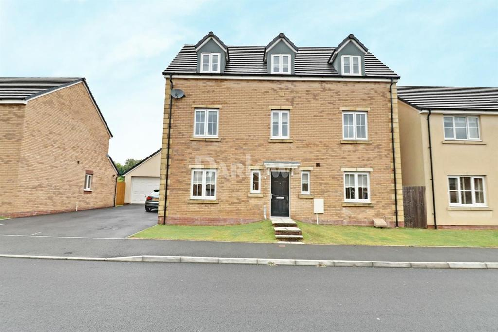 5 Bedrooms Detached House for sale in Long Heath Close, Caerphilly