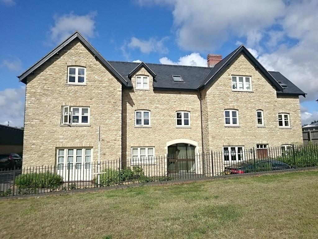 2 Bedrooms Apartment Flat for sale in Oxford Road, Brackley
