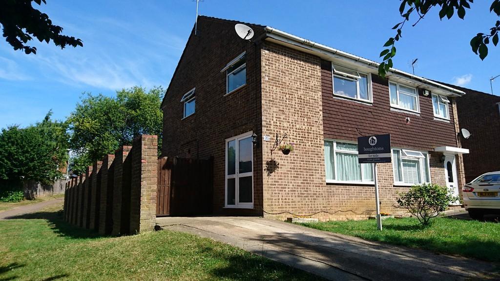 3 Bedrooms Semi Detached House for sale in Avenue Bernard, Brackley