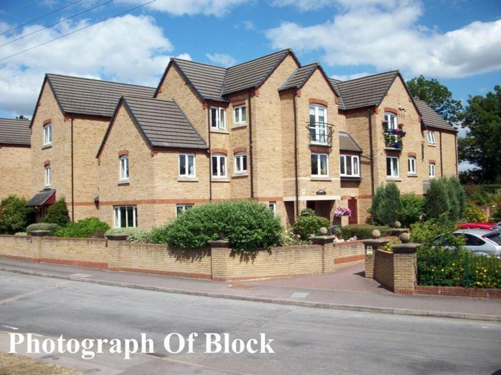 1 Bedroom Flat for sale in Burwell Hill, Brackley