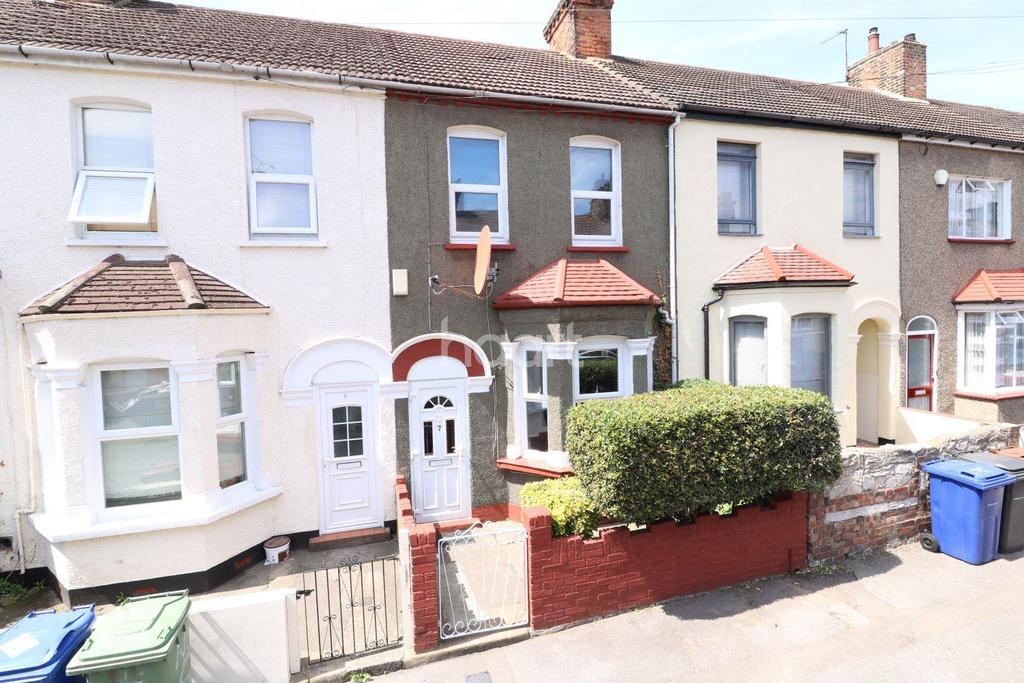 3 Bedrooms Terraced House for sale in Belmont Road, Grays, RM17 5YJ