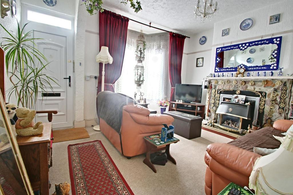 2 Bedrooms Terraced House for sale in Grosvenor Cottages, Mutley