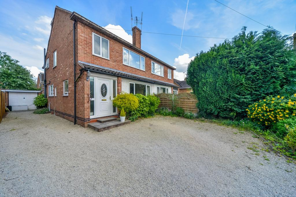4 Bedrooms Semi Detached House for sale in Farmer Ward Road, Kenilworth
