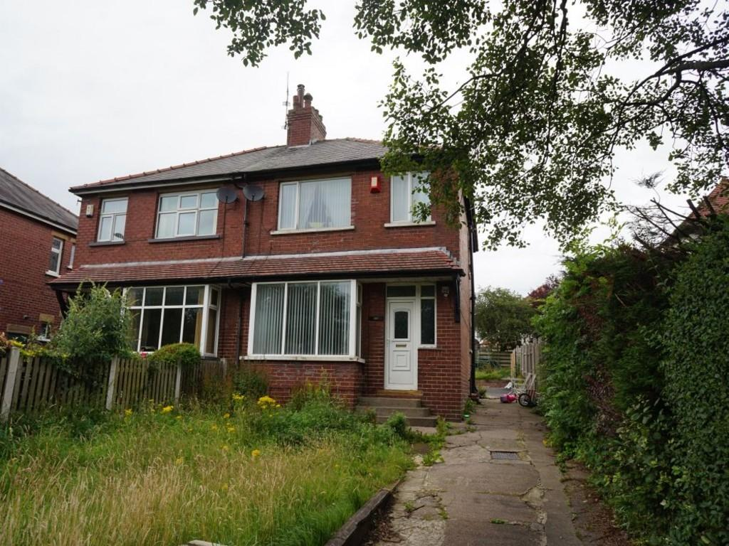 3 Bedrooms Semi Detached House for sale in Thornton Road, Thornton