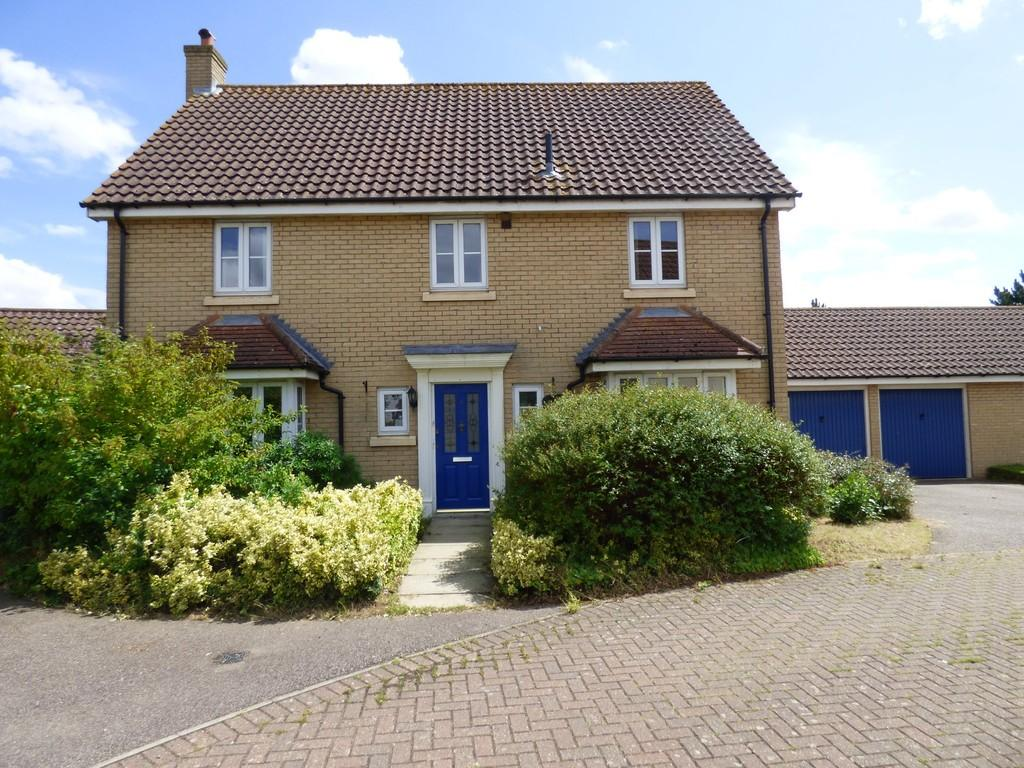 4 Bedrooms Detached House for sale in Holmes Close, Long Stratton