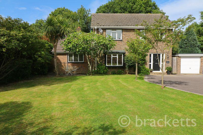 4 Bedrooms Detached House for sale in Woodhill Park, Pembury, Tunbridge Wells