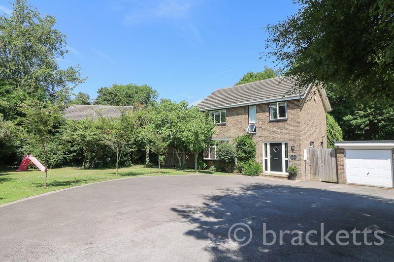 4 Bedrooms Detached House for sale in Woodhill Park, Pembury, Tunbridge Wells