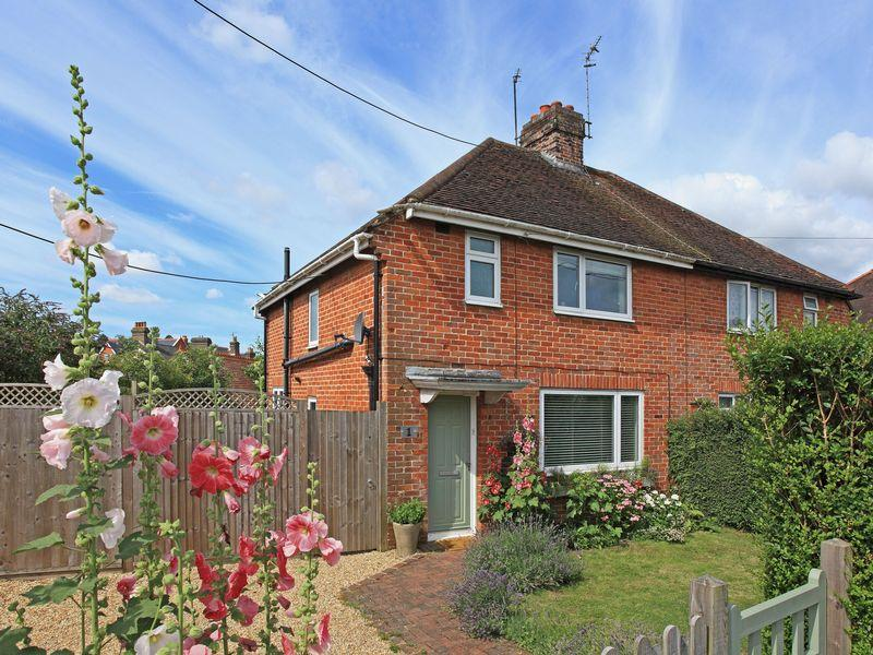 3 Bedrooms Semi Detached House for sale in Keld Close, Uckfield, East Sussex