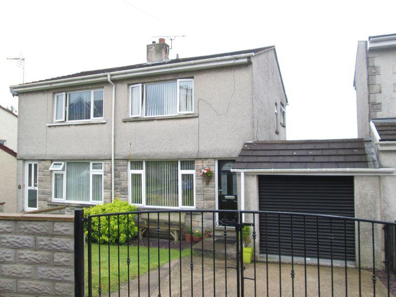 2 Bedrooms Semi Detached House for sale in Ty Fry Close Brynmenyn Bridgend CF32 8YB