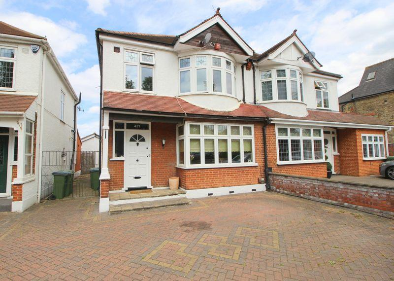 3 Bedrooms Semi Detached House for sale in Footscray Road, New Eltham, SE9 3UL