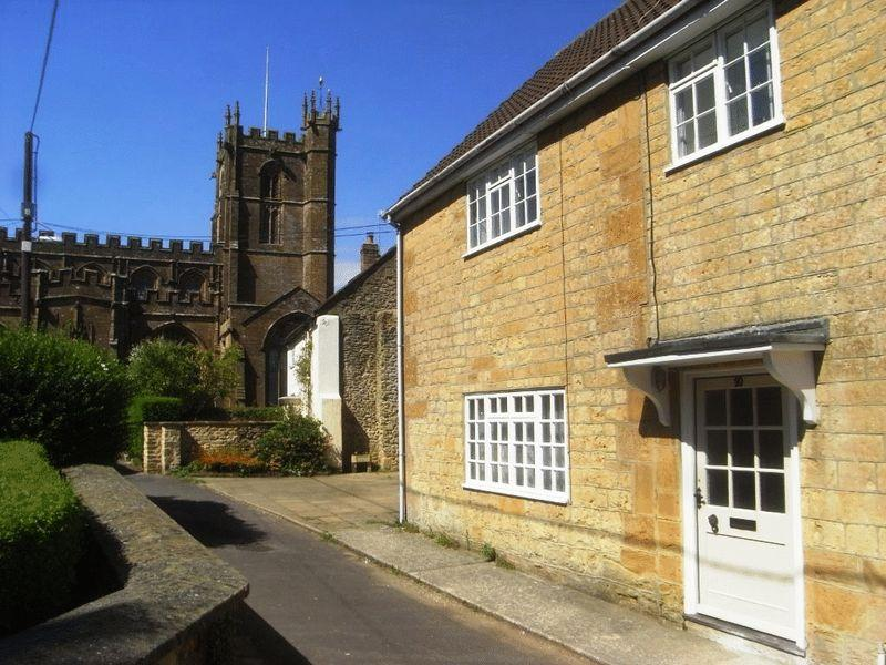 3 Bedrooms Terraced House for sale in Church Path, Crewkerne