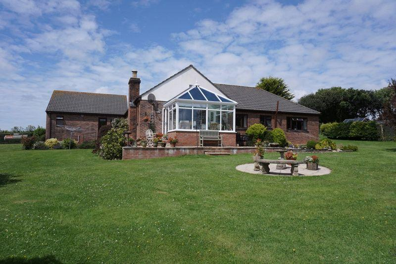 3 Bedrooms Detached Bungalow for sale in Marhamchurch, Bude