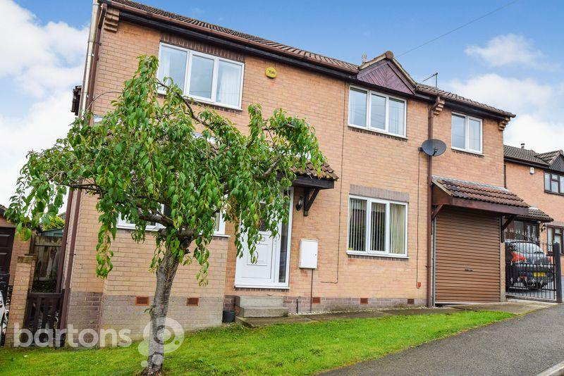 4 Bedrooms Detached House for sale in Fairfield Close, BRAMLEY
