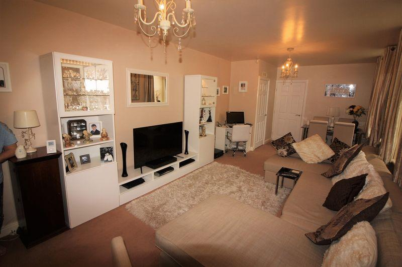 1 Bedroom Apartment Flat for sale in Richmond House, Savile Park, Halifax