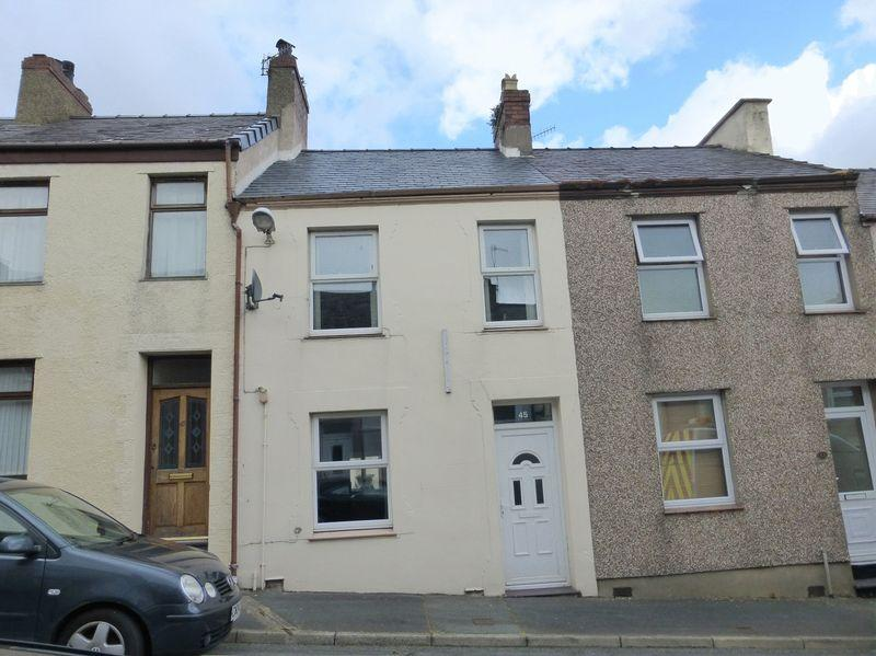 2 Bedrooms Terraced House for sale in Caernarfon