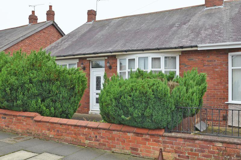 3 Bedrooms Semi Detached Bungalow for sale in Highbury Place, North Shields