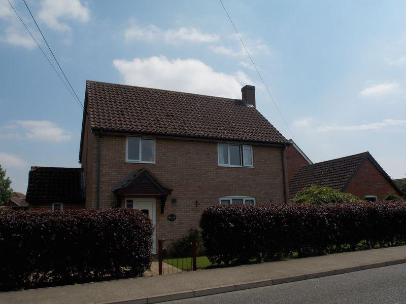 3 Bedrooms Detached House for sale in Barton Road, Thurston