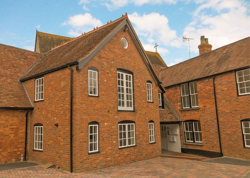 2 Bedrooms Apartment Flat for sale in The Woolpack, Church Street, Wantage