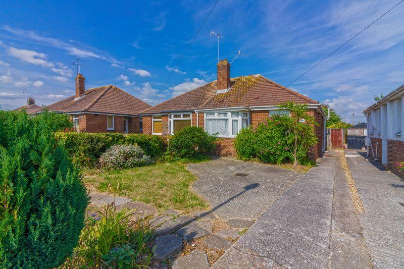 2 Bedrooms Bungalow for sale in North Farm Road, Lancing