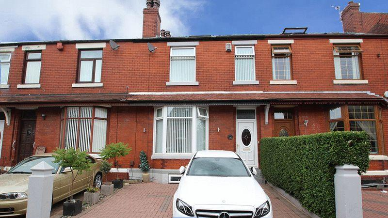 3 Bedrooms Terraced House for sale in Deeplish Road, Rochdale OL11 1PQ