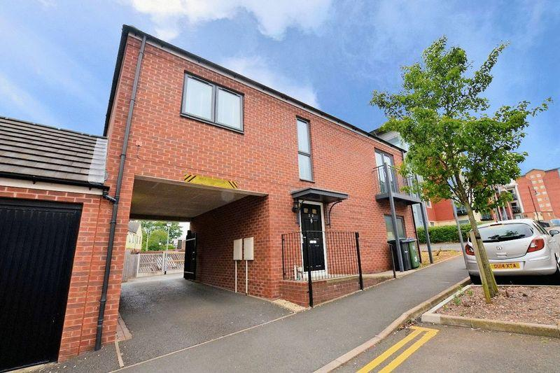 2 Bedrooms Flat for sale in The Sidings, The Lyng, West Bromwich