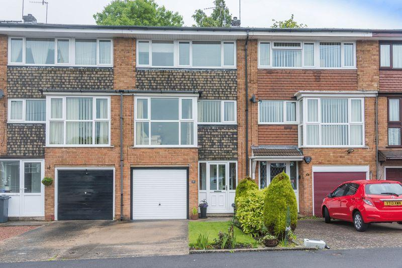 3 Bedrooms Town House for sale in Littlewood Drive, Gleadless, S12 2LQ - Immaculately Presented Throughout