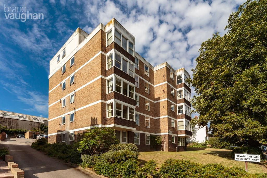 2 Bedrooms Flat for sale in Highcroft Villas, Brighton, BN1