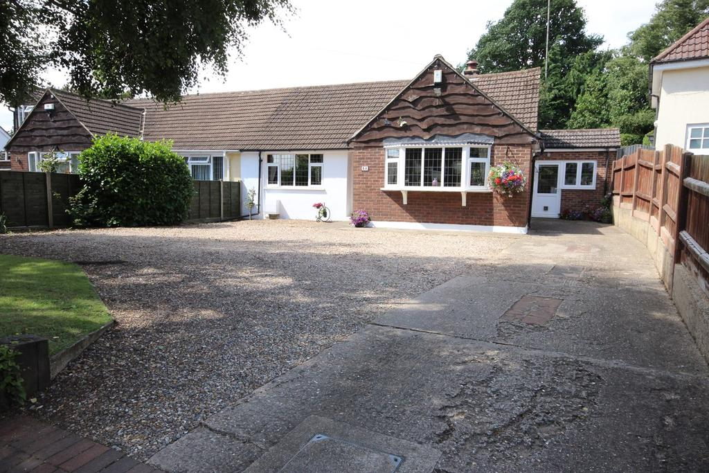 3 Bedrooms Semi Detached Bungalow for sale in Great Lane, Clophill, MK45