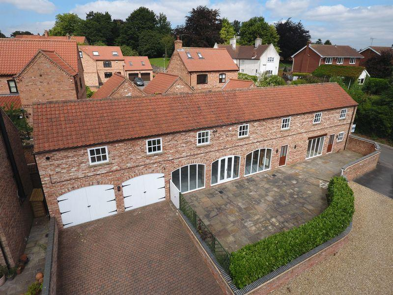 4 Bedrooms Barn Conversion Character Property for sale in Gibbons Court, North Wheatley, Retford